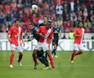 FSV Mainz 05 vs Hamburger SV v l Pierre Michel Lasogga HSV gegen Junior Diaz Mainz FSV Mainz 0